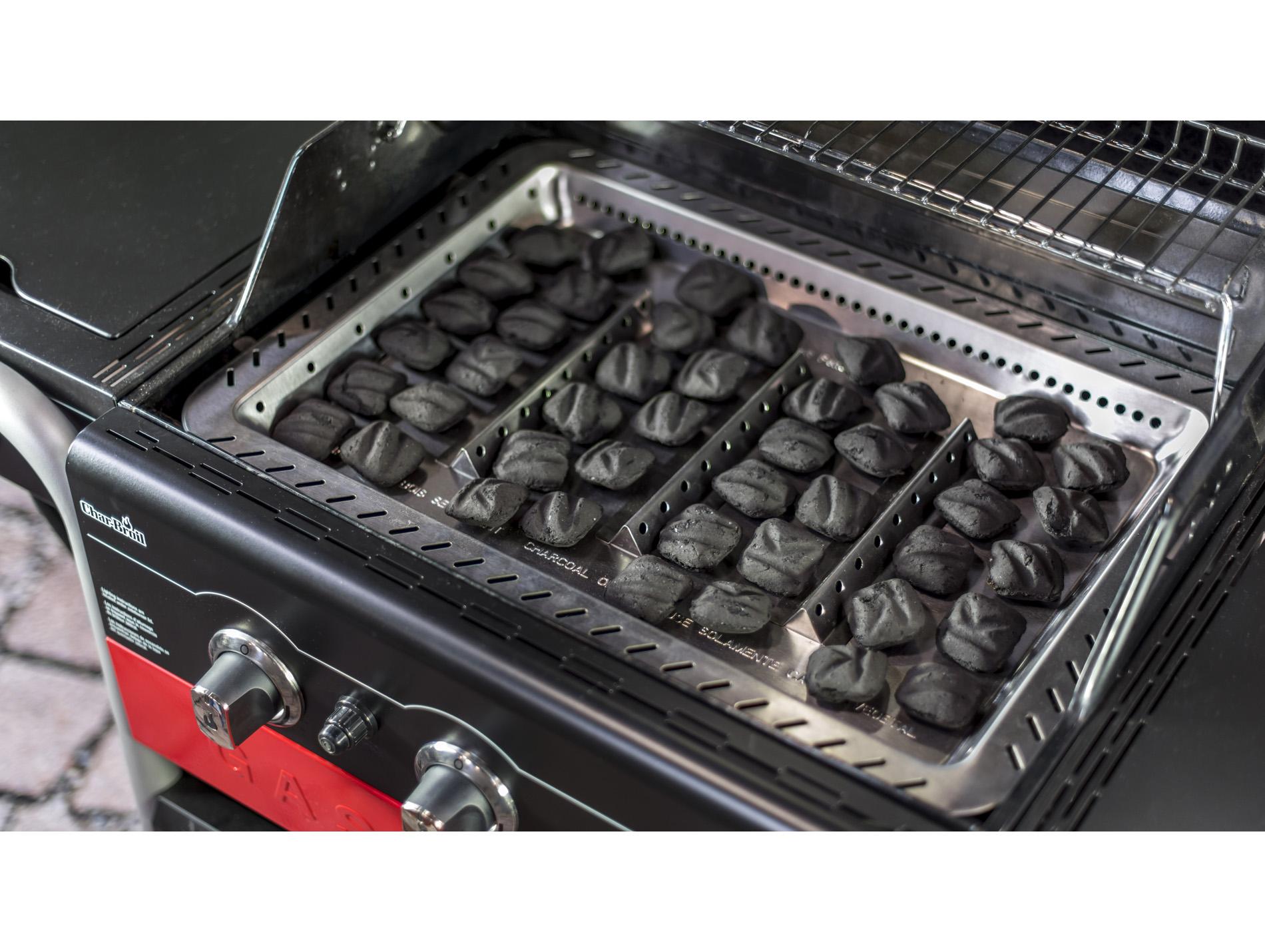 barbecue mixte gaz et charbon char broil gas2coal 330. Black Bedroom Furniture Sets. Home Design Ideas